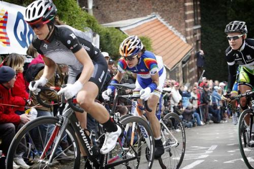 La Flèche Wallonne Féminine 2012: Evelyn Stevens (Specialized-lululemon) Leads Marianne Vos On The Mur De Huy, Photos | Cyclingnews.com More great Flèche photos on Cyclingnews
