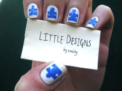 littledesigns:  autism speaks nails. base coat: mac vestral white. detail: sally hansen nail art pen in periwinkle.