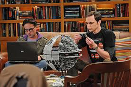 Sheldon armando la querida Death Star