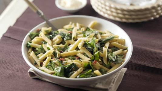 Penne with Spinach, Olives and Sun-Dried Tomatoes