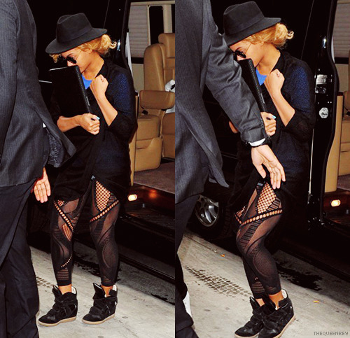 Beyoncé in NYC 4/18
