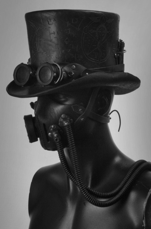 greyfaced:  Steampunk Leather Tophat, by: Valimaa