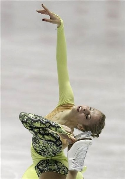 beautiful-shapes:  Carolina Kostner World Team Trophy 2012, SP