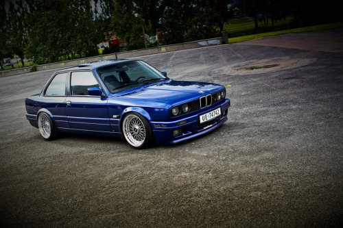 BMW (E30) 3-Series - BBS Blues