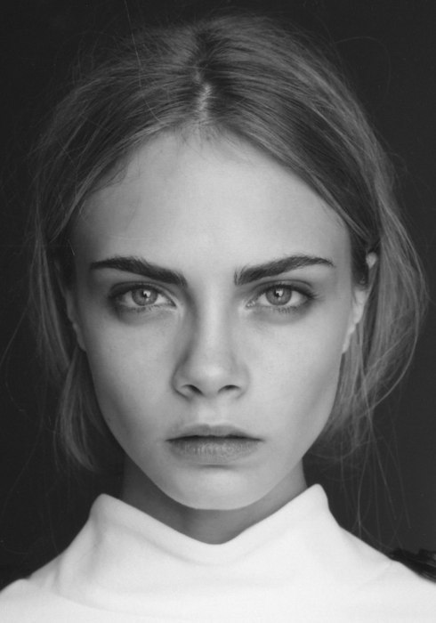 chanel-is-black-and-white:  sexyaintrashy:  Cara Delevigne  lovelovelovelove