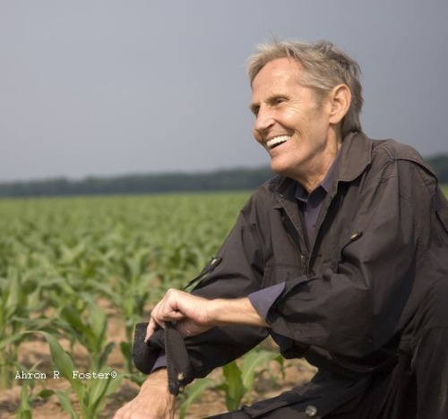 Recording Academy Releases Statement On Levon Helm Following the loss of Levon Helm, who passed away at the age of 71 today after a battle with cancer, the Recording Academy (the organization behind the Grammys) released the following statement: Three-time GRAMMY® winner and Recording Academy Lifetime Achievement Award recipient Levon Helm was an Americana and folk/rock music pioneer. As a member of what would become the Band, he was an instrumental part of Bob Dylan's shift to rock music. He was one of rock's earliest singing drummers, and his unique voice helped bring the group's well-crafted songs to life. His dynamic career spanned more than five decades and included solo releases and acting credits, such as playing Loretta Lynn's father in Coal Miner's Daughter. His passion for performing led him into the recording studio, where he opened Levon Helm Studios and produced many notable works. The music community has lost a gifted and treasured icon, and our deepest condolences go out to his family, friends, and fans everywhere. Neil PortnowPresident/CEOThe Recording Academy