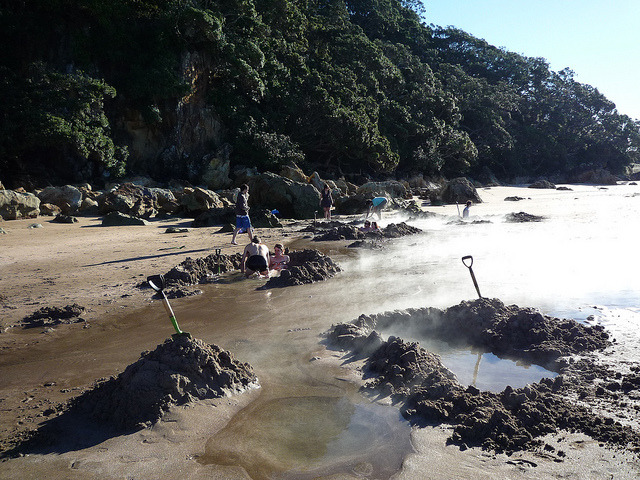 laughingsquid:  Visitors to New Zealand's Hot Water Beach Can Dig Their Own Geothermal Wading Pool  I want to go here!