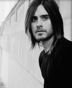Jared Leto lived on the streets of New York City for 2 months and lost 20 pounds to prepare for his role in Requiem for a Dream.