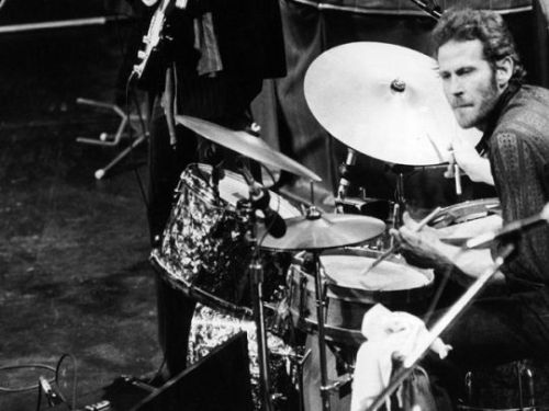 for-lovers:  Rest in Peace Levon Helm. Handsome & so bloody talented, what a man! Music will miss you.