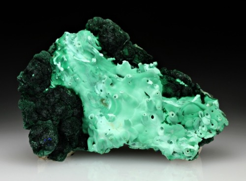 mineralia:  Malachite from Arizona for auction by Dan Weinrich