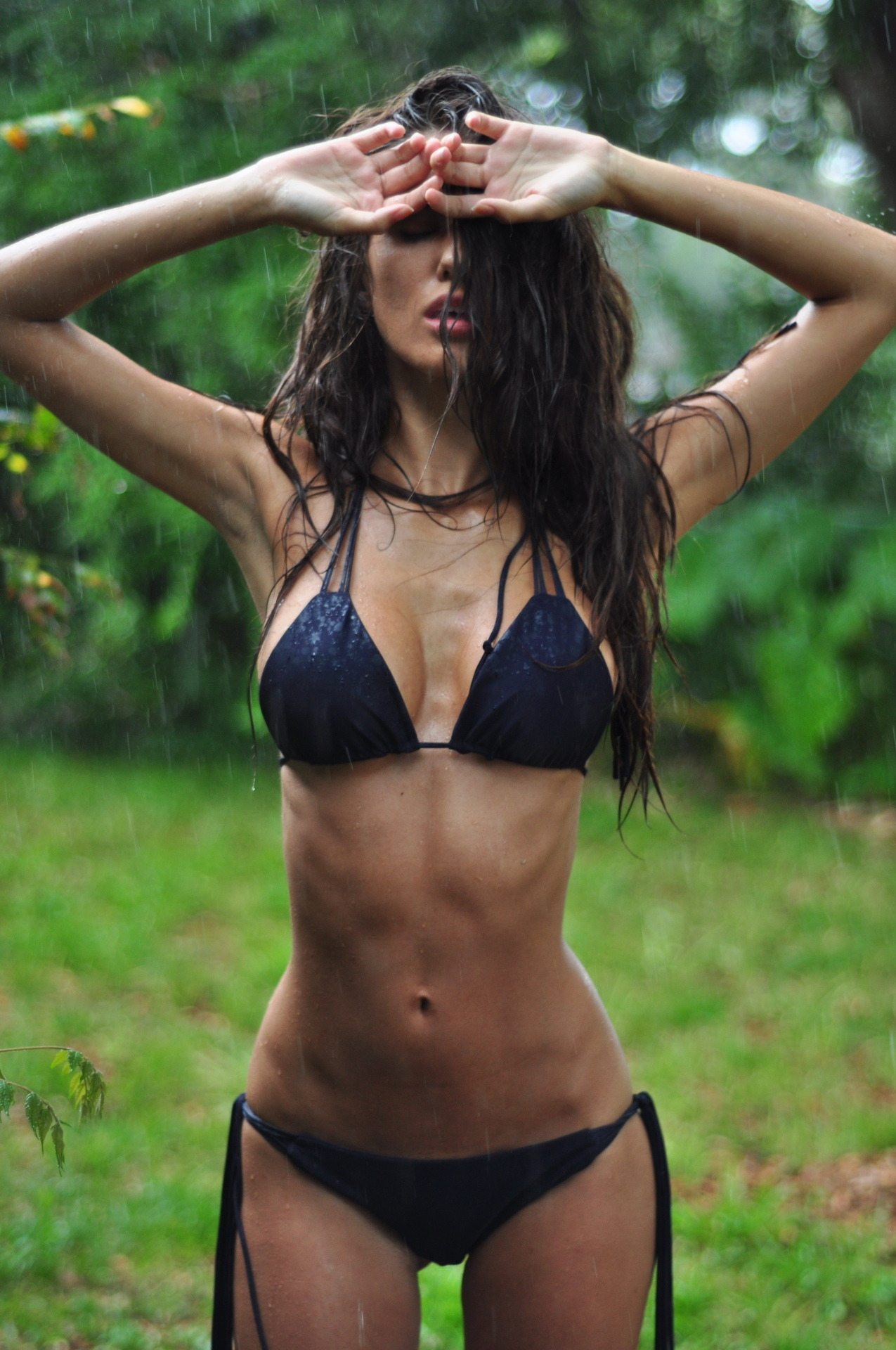 urmoms-chest-hair:  closetomidnight:  pasdesolee:  egyptianb0i:  ashley sky  her body scares me.  skeletor with tits pretty much. Werk it grrrh.  her hips are too big but otherwise she's perf  how is that possible?