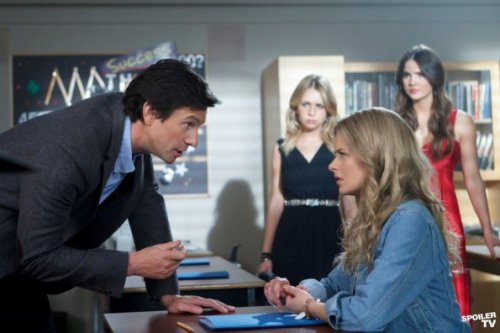 """Prom"" — Pictured (L-R): Chad Willett as James, Britt Robertson as Cassie, Andrea Brooks as Amelia, and Shelley Hennig as Diana in The Secret Circle on The CW. Photo: Michael Courtney/The CW"