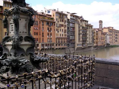 • places to see before you kick the bucket | the ponte vecchio love locks in florence, italy(when i went onto the ponte vecchio, the city had started to cut the locks off the bridge, not 100% sure if you're still allowed)