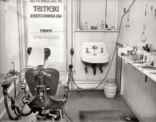 lostsplendor:  Dentist Appointment, c. 1919 (via Shorpy Historical Photo Archive)