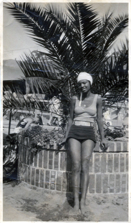 Summer Swimmer [Donated by the Earl McCann Collection] ©WaheedPhotoArchive, 2012
