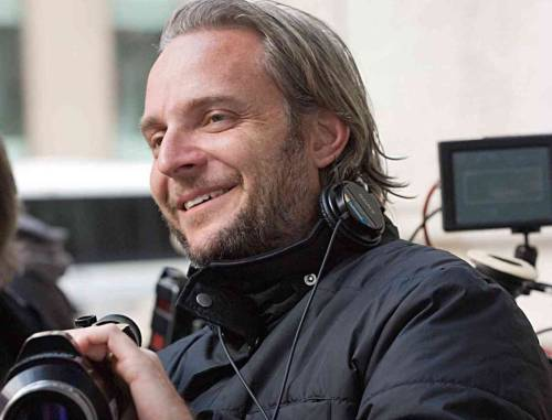 "leakynews:  Francis Lawrence (Water for Elephants, I am Legend) will direct ""Catching Fire."" Read more about it here. What do you think?  Seems like it could be promising…maybe. We'll see. I just really, really hope he doesn't fuck it up. The first one was so good."