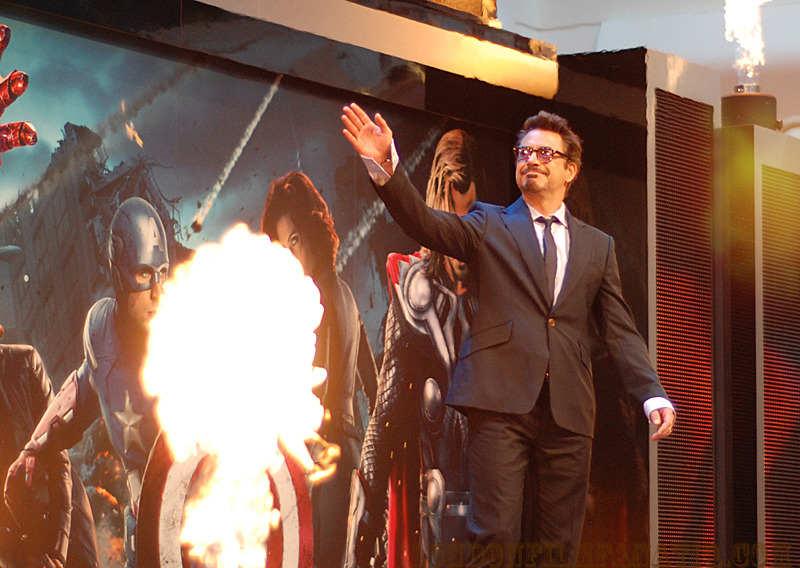 yeahicanfly:  Robert Downey Jr commands fire at The Avengers European premiere. Source.