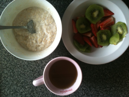 Breakfast time! Porridge, fruit and green tea. Mmmmm