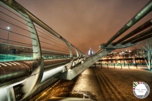 lushlondon:  High (but not that high) on Millennium Bridge http://bit.ly/HWU9Cc