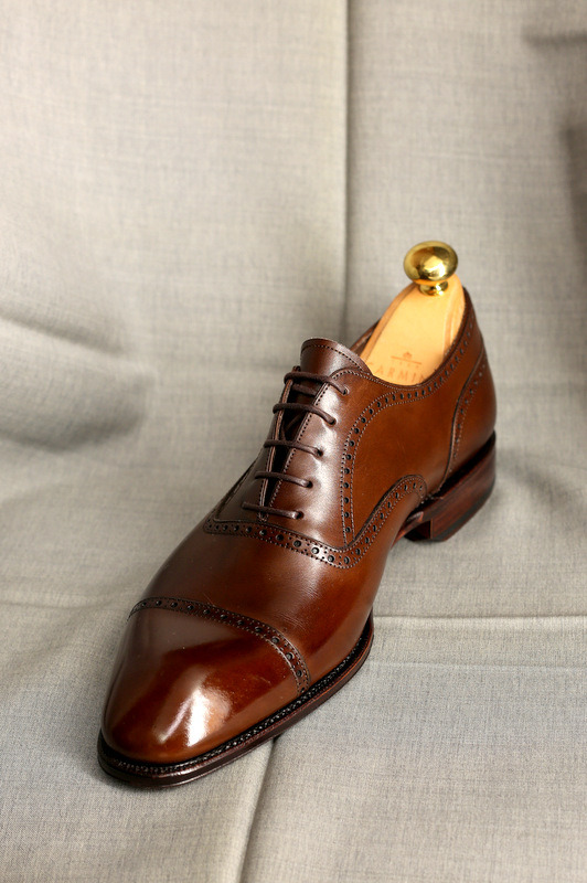 A little bit of polish goes a long way.  Simpson Semi-brogue. thearmourystore:  Simpson Brown Semi-brogues