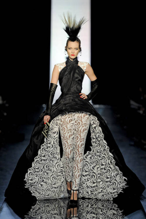 mecreatingme:  Jean Paul Gaultier Haute Couture Spring/Summer 2011