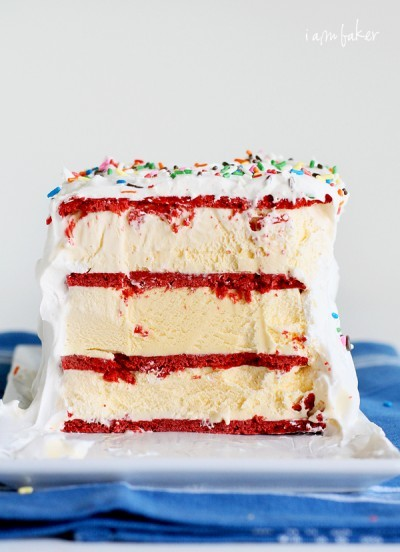 fattiesdelight:  Red Velvet Ice Cream Cake & Ice Cream Sandwiches  Just another ridiculously fantastic looking dessert to add to my list of ridiculously fantastic desserts to make.
