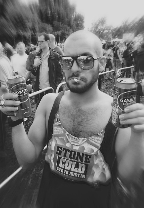 me enjoying life @ LOVEBOX festival - London 2011
