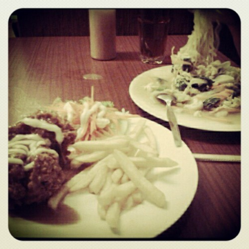 Foody Moody 127478days ago wiff @azandrawina (Taken with instagram)
