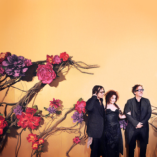 helena-bonham-carters-cheekbones:  Johnny Depp, Helena Bonham Carter & Tim Burton at MOMA's 'Tribute to Tim Burton' (2009)