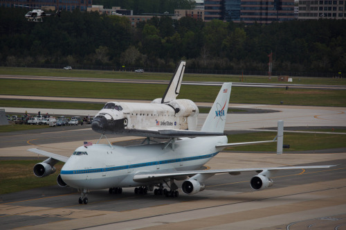 suburbanastronaut:   Space Shuttle Discovery atop SCA landing at Washington Dulles International Airport, 17 April 2012