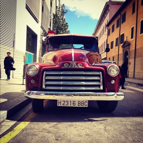 Bill's Motor Co. #retro #GMC #pickup #truck in #barcelona  (Taken with instagram)