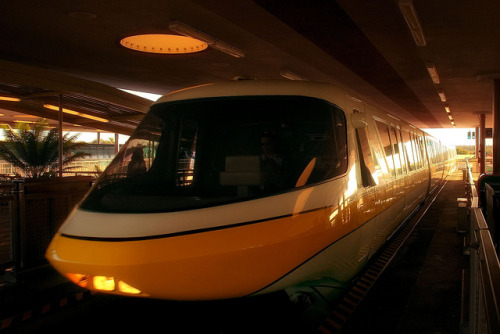 TTC Monorail Yellow Approach by Express Monorail on Flickr.