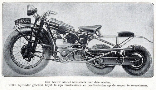 Nieuw model motorfiets 1928 by janwillemsen on Flickr.  Via Flickr: illustratie tijdschrift De Prins