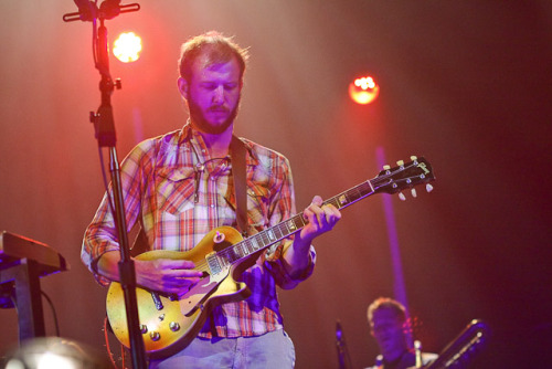 "Bon Iver cover The Band's ""Ophelia"" (via @coslive)"