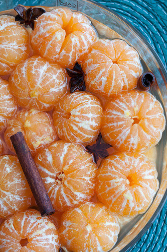 ahumblemagic:  Clementines in star anise and cinnamon syrup