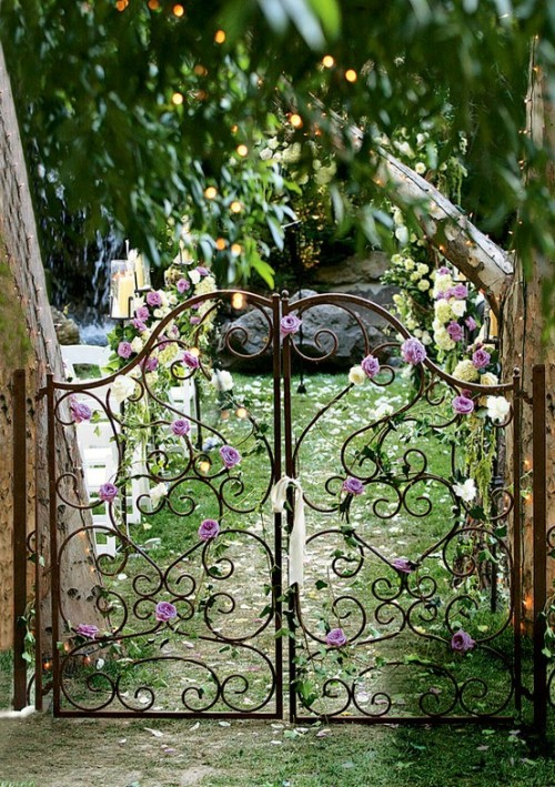whimsicalraindropcottage:  (via Garden Love)
