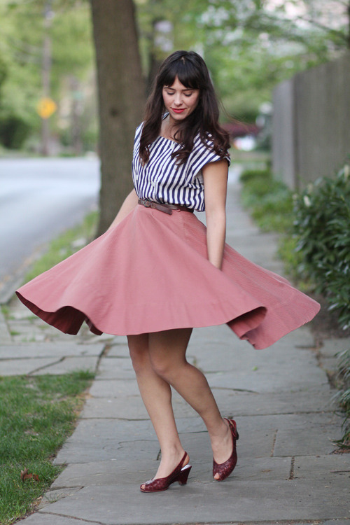 ticktockvintage:  new blog post up!   That top! That skirt! Those shoes!