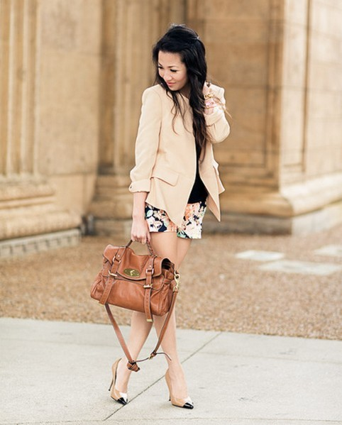 "pretaportre:  Wendy Nguyen from Wendy's Lookbook in ""Peachy: Floral & Gold details"" wearing a Zara blazer and shorts, Splendid tee, Mulberry Alexa bag, Kate Spade bangles, and Classiques Entier Riley pump."