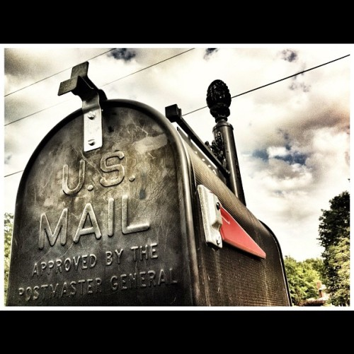 #mailbox #prohdr #cameraplus #snapseed #red #black #sky #clouds (Taken with instagram)