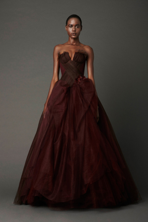 csebastian:  Hey, FutureWife, I'm open to non-traditional colors. Vera Wang Spring Bridal Collection 2013 // midnightweeds:fuckyeahweddingideas
