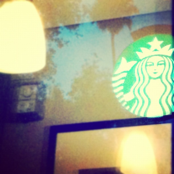Starbucks #ubiquography #mextagram #iphonesia #iphoneography #iphoneonly #ig #instagram #instagraph #instaphoto #photooftheday #coffee #starbucks #sbx (Tomada con instagram)
