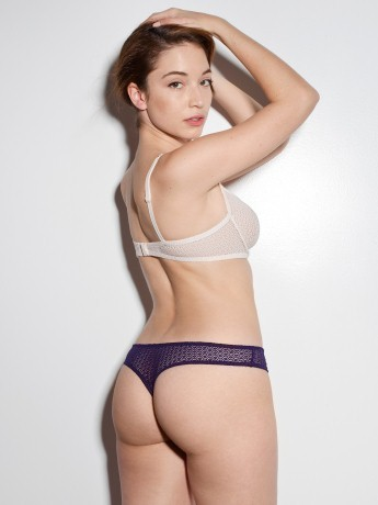 Skinny but curvy and fit! http://curveinspire.com
