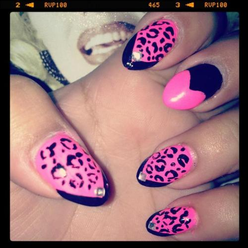 Pink&Black cheetah and hearts