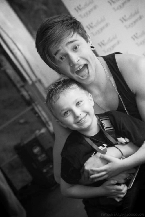 reecey-b-o-y:  this is my favourite photo of reece…