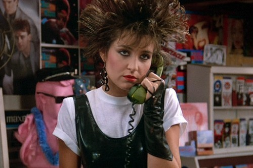 just80sfashion:  Iona (Annie Potts) in Pretty in Pink (1986)