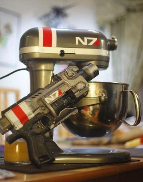 Mass Effect Kitchen Mixer! If only baking and video games could always be brought together in this way… the world would be a much better place.