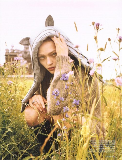 "inbeautyandvanity:  ""white nights"" : sasha pivovarova : uk vogue 2007 :  tim walker"