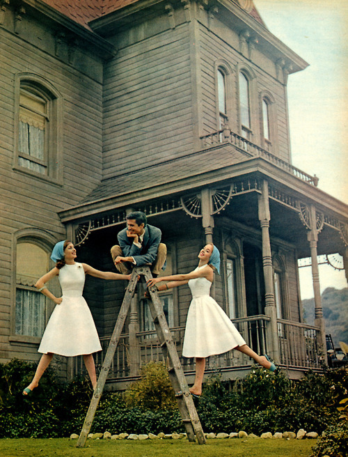 boysandghoulspodcast:  Anthony Perkins revisits the old house.