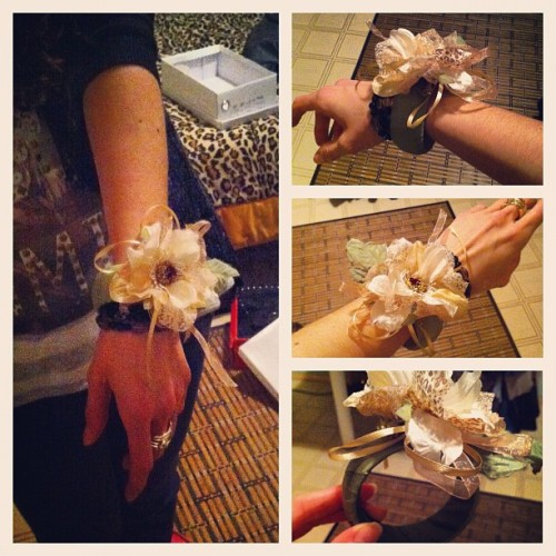 #bangles #handmade #flower #fashion (Scattata con instagram)