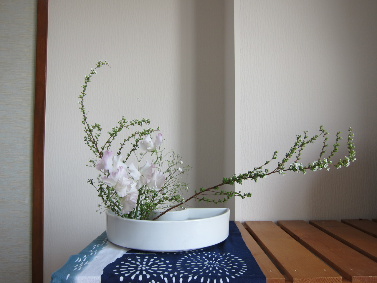 Ikebana #8 I bought these flowers and did this all by myself!! No help at all from my teacher! Gasp!  It is to welcome my parents who are arriving today!